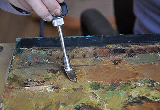 絵具層の補強